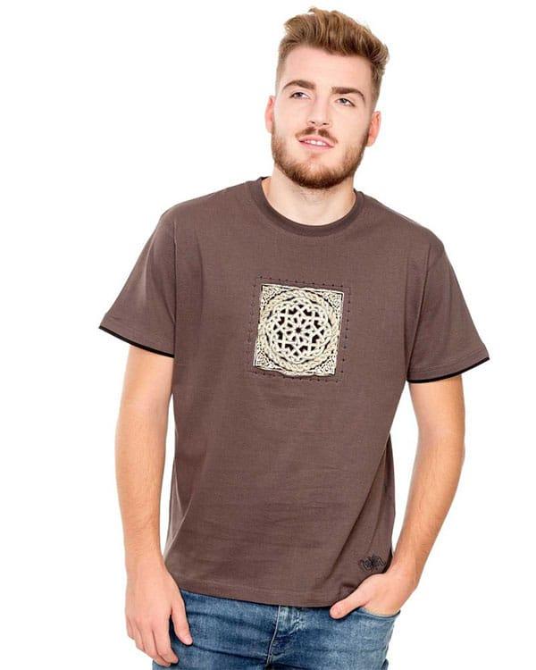 benegassi camiseta hombre etnica entrelazado roto 1